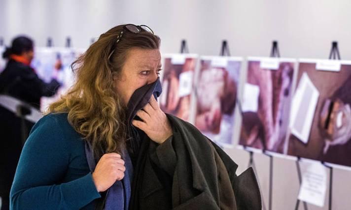 Gambar-gambar seram milik Caesar memperlihatkan korban siksaan yang tewas Suriah, dipamerkan di PBB, New York. Foto: Lucas Jackson/Reuters